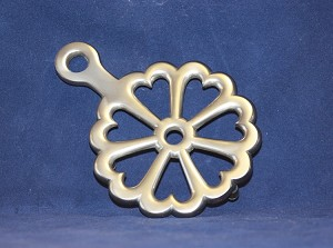 Colonial Heart Trivet, Pewter